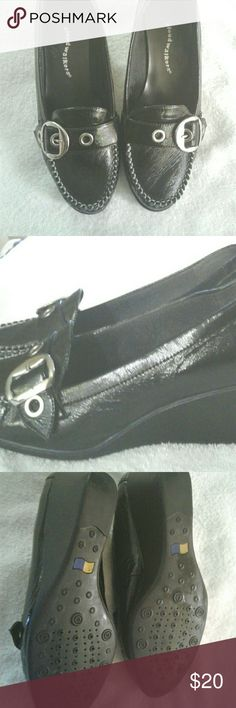 Cloud Walker shoes Ladies. Like new without tags. Like new without tags. Black 10W Cloud Walkers Shoes