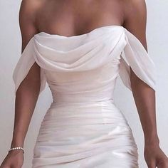 Fancy dresses - Solid Color Backless Dress from Fashion designer – Fancy dresses Pretty Dresses, Beautiful Dresses, Elegant Dresses, Cool Prom Dresses, White Formal Dresses, Layered Dresses, Best Party Dresses, White Fitted Dress, White Gowns