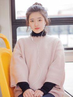 Korean Fashion Kpop, Korean Fashion Dress, Ulzzang Korean Girl, Cute Korean Girl, Ullzang Girls, Cute Girls, Beautiful Chinese Girl, Beautiful Girl Image, Fashion Poses
