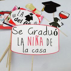 the 25 best tarjetas graduacion ideas on Graduation Party Centerpieces, Graduation Party Planning, Graduation Cap Decoration, Graduation Cap Designs, Graduation Photos, Graduation Cards, Cap Decorations, Ideas Para Fiestas, Grad Parties