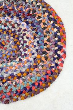 vintage rag rug / braided oval floor mat von 86home auf Etsy