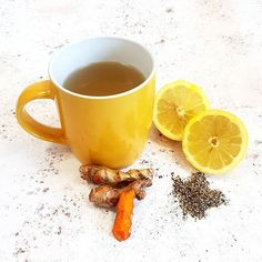 Feeling a little under the weather? A hot cup of our award-winning bone broth accompanied by some freshly grated turmeric, a sprinkle of black pepper and a squeeze of fresh lemon will soon see you right. 🧡 Turmeric's main claim to fame is it's anti-inflammatory properties. 💛 As well as adding a gorgeous freshness to your broth, lemon is an excellent source of Vitamin C. Which is just the ticket when you are feeling run down! Bone Broth, Vitamin C, Moscow Mule Mugs, Turmeric, Ticket, Lemon, Weather, Stuffed Peppers, Fresh