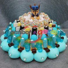 Pat patrouille bonbon Chocolates, Dora, Sweet Cakes, Birthday Cake, Cupcakes, Candy, Christmas Ornaments, Holiday Decor, Desserts