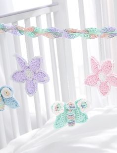 Why wouldn't baby go to sleep with these adorable butterflies and sweet flowers - it's free - gotta try this.  Great for shower gift!