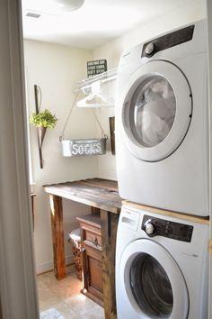 Cool 35 Inspiring Small Laundry Room Design Ideas https://homeylife.com/35-inspiring-small-laundry-room-design-ideas/