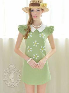 Women's Clothing-A small white flowers jewels swing dress Fashion Wear, Love Fashion, Fashion 2014, Fashion Vintage, Vintage Style, Fashion Design, Organic Clothing Brands, Peter Pan Dress, Short Sleeve Dresses