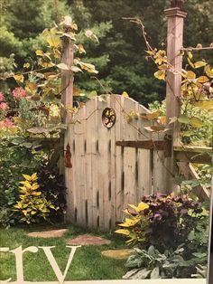 Garden Gates, Gardens, Country, Spring, Crafts, Manualidades, Rural Area, Yard Gates, Outdoor Gardens