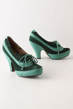 I think I need to find(and own) the outfit that requires these shoes!