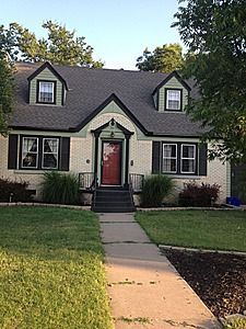 1937   Awesome Two Story House With Huge Rooms U0026 Sunroom. Out Of Price Range