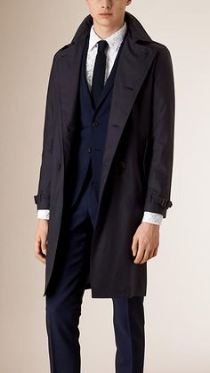 Burberry super-lightweight trench coat crafted in Italy. Discover the men's outerwear collection at Burberry.com