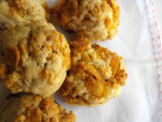 Biscoitos de corn flakes by a galinha maria, via Flickr