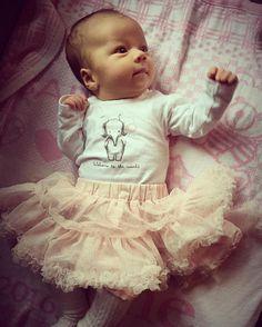 Celine er utkledd som ei lita ballerina på karneval  #celine#karneval#ballerina#prinsesse#vårtlillemirakel#vårlilleprinsesse#baby#babykos#bimfeb2016#nameit#nameitnorge#hustandclaire#nameittriaden