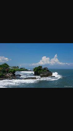 Bali tampale in sea