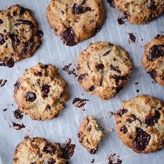 Chocolate chip paleo cookies (recipe in Czech) Paleo Cookie Recipe, Paleo Cookies, Cookie Recipes, Yummy Mummy, Yummy Food, Paleo Dinner, Bagel, Chocolate Chip Cookies, Smoothie