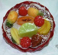 Jabones pequeños en forma de frutas y con fragancias a frutas naturales!