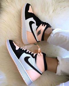 shoes sneakers nike Source by lillyschwandke too shoes Jordan Shoes Girls, Girls Shoes, Nike Jordan Shoes, Air Jordan Sneakers, Sneakers For Girls, Shoes Women, Blue Sneakers, Retro Jordan Shoes, Nike Women Sneakers