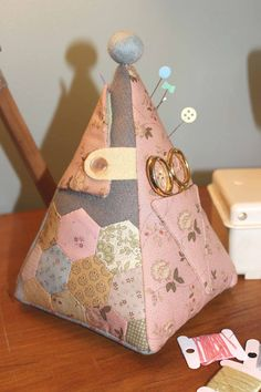Mousepincushionback(small) Just did a class and made this - awesome class thanks so much Natalie for coming to Invercargill, New Zealand.