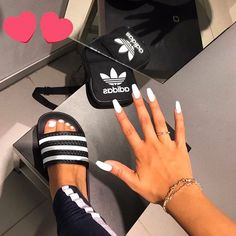 White N Black looks Do you like this white ballerina nails? from _ - Nail Designs! White Acrylic Nails, Best Acrylic Nails, Adidas Slides Outfit, Looks Adidas, Cute Toes, Ballerina Nails, Mode Inspiration, Toe Nails, How To Do Nails