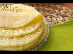 Recette de Baghrir : Crêpes à mille trous / Moroccan pancakes recipe - YouTube Bread Recipes, Real Food Recipes, Cooking Recipes, Beignets, Plats Ramadan, Honey Cake, Cake Mix Cookies, Pastry Cake, Arabic Food