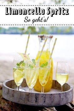 Limoncello Spritz Recipe DELICIOUS - How to mix the perfect summer drink! Drinks Alcoholicas, Refreshing Drinks, Party Drinks, Cocktail Drinks, Yummy Drinks, Cocktail Recipes, Alcoholic Drinks, Yummy Food, Aperitif Drinks