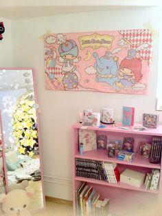 wonderhatter:    Updating my room I'll do a photo set soon :3    Sakuras room is so cute ;3;