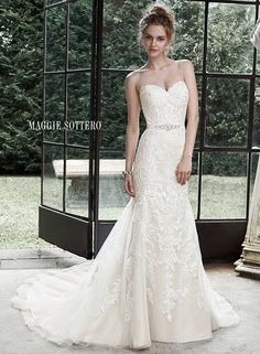 Large View of the Winstyn Bridal Gown