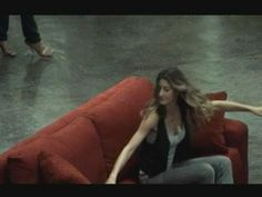 ▶ Gisele Bundchen flashmob at Sao Paulo airport - a different kind of flash mob :-)