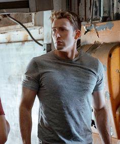 Chris Evans Behind the Scenes of 'Captain America: Civil War'