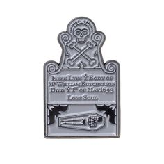 Billy's Tombstone from Disney's Hocus Pocus can be found on this pin!) pin with plastic back. Halloween Labels, Disney Halloween, Holidays Halloween, Spooky Halloween, Halloween Decorations, Halloween Party, Disney Trading Pins, Disney Pins, Easy People Drawings