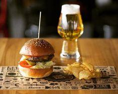 Ha street food akkor Avalon Sörkert!  #avalon #beergarden #miskolctapolca #streetfood #hamburger #beer #tastyfoods #dailygram