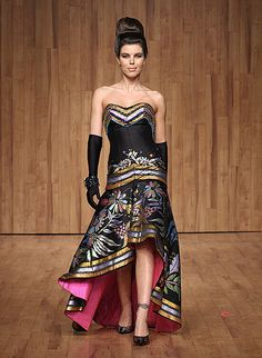 This look is Mexican chíc! Her signature look! Mexican Costume, Mexican Outfit, Mexican Dresses, Pretty Outfits, Beautiful Outfits, Pretty Clothes, Charro Dresses, Timeless Fashion, Fashion Beauty