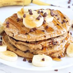 pancake videos These cottage cheese protein pancakes are sweetened with banana and studded with chocolate chips. Theyre absolutely delicious while still giving you a protein punch that will keep you full all morning! Cottage Cheese Recipes, Cottage Cheese Pancakes, Buttermilk Pancakes, Pancakes Easy, Fluffy Pancakes, Banana Pancakes, Brunch Recipes, Breakfast Recipes, Dessert Recipes