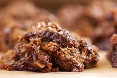 Chocolate Chunk Salted Caramel No-Bake Cookies | WITH healthy ingredients!!!
