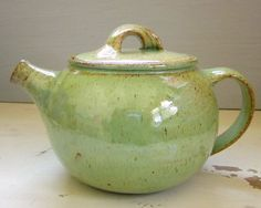 spring green teapot ceramic pottery tea pot I like the color, I like the handle on the lid Pottery Teapots, Teapots And Cups, Ceramic Teapots, Ceramic Pottery, Cerámica Ideas, Pottery Classes, Tea Service, Chocolate Pots, Spring Green
