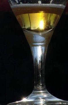 """""""Cerveza al atardecer"""". Foto: Emilio M. Roca. [Envía tu foto por correo a mailto:zona20@20minutos.es]"""