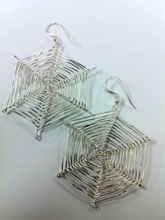 How to make fun wire spider web earrings!  Great for Halloween!