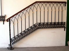 ESCALERAS Y BALCONES :: HERRERIA Y FORJA Iron Staircase Railing, Wrought Iron Handrail, Iron Handrails, Stair Handrail, Modern Staircase, Staircase Design, Bannister, Stairs And Doors, Balcony Railing Design