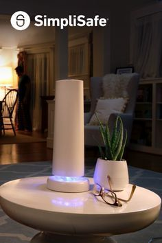 To do this Saturday: DIY security Project! Try out this gorgeous new home security from SimpliSafe. Set up is amazingly fun and simple– no wires or drilling. Do it by yourself in just thirty minutes and feel totally safe forever after. Check out the systems today!