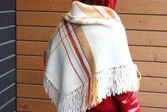 Kahden kutojan kolmiohuivi | Mallikerta Blanket, Rug, Blankets, Cover