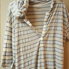 Ann Taylor Bathing suit cover Blue and Cream Cover Top with Hood....can use as bathing suit cover up or very light pull over at the beach when windy..60% cotton 40% Modal Medium wears like LARGE Ann Taylor Swim Coverups
