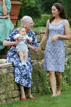 princesse Mary,prince Vincent with Queen Margrethe.