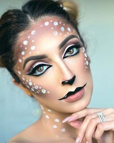 Are you looking for inspiration for your Halloween make-up? Browse around this site for cute Halloween makeup looks. Looks Halloween, Deer Halloween Costumes, Unique Halloween Makeup, Cute Halloween Makeup, Halloween Ideas, Halloween Party, Christmas Makeup, Holiday Makeup, Winter Makeup