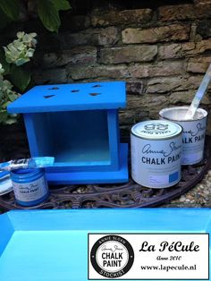 The first of three new Annie Sloan Colors: Giverny! With some Old White you got beautifull turqoise...  #anniesloanchalkpaint™ #giverny #lapecule INFO: www.lapecule.nl <3