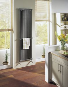 Vertical column radiator