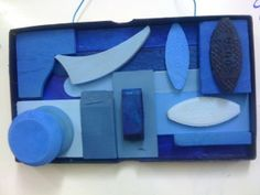 Assemblages y monocromía Teaching Colors, Teaching Art, Collages, 3d Art, Sculpture Lessons, 6th Grade Art, Middle School Art, High School, Principles Of Art