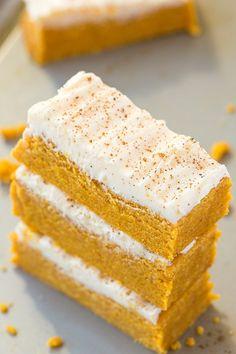 No Bake Carrot Cake Protein Bars (Paleo, Vegan, Gluten Free) Pumpkin Protein Bars, Vegan Protein Bars, Protein Bar Recipes, Protein Powder Recipes, Protein Cookies, Protein Muffins, Protein Ball, Protein Foods, Protein Cheesecake
