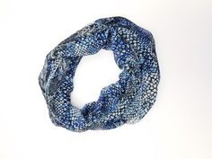 Amtal Women Lightweight Soft Casual Blue Safari Pattern Infinity Scarf