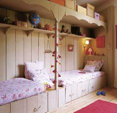 what a fun kids room!