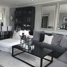 "Linn Arnesen  on Instagram: ""Nyydelig torsdag til dere✨ #interior123 #interior #interiordesign #shabbyyhomes #blackandwhite #black #grey #instagood #instafollow #instapic #instalike #glam #glamour #elegance #classy #vakrehjemoginteriør #vakre #ninterior #interiordecor #rivieramaison #passionforinterior #white #sexy #flowers #love #myhome #myheart #mitthjem"""