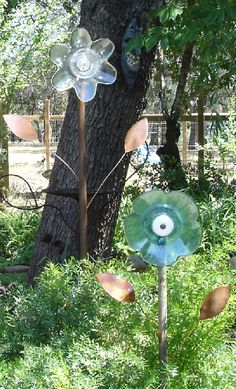 Yard art from old glass plates